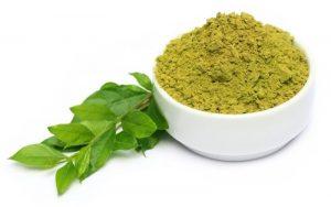 علاج رائحة العرق الكريهة بالأعشاب- الحنة أو الحنا