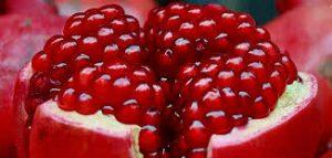 علاجات منزلية لسوء الهضم-عصير الرمان الحلو