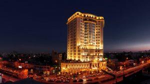 فندق قصر طلائي(القصر الذهبي) أكبر فندق في إيران