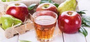 العلاجات الطبيعية لحصى المرارة-عصير التفاح- عصير الكمثرى