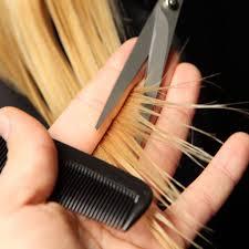 قص أطراف(نهاية)الشعر للحصول على شعر صحي