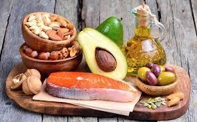 التخلص من دهون البطن بلامشاكل-عدم التجنب التام عن الدهون-الدهون المفيدة للجسم-