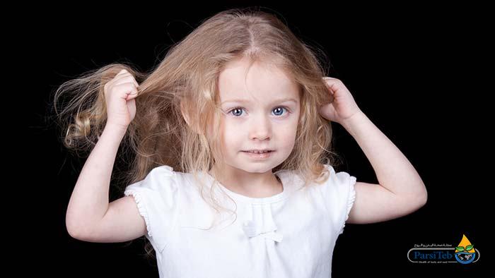 أسباب تساقط الشعر في الأطفال-هوس نتف الشعر